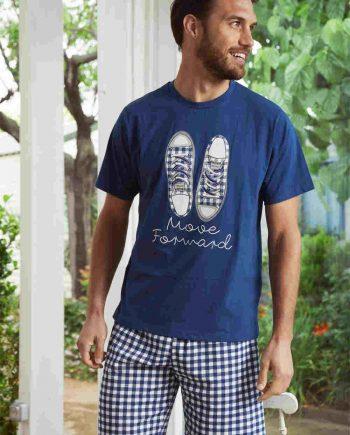 Pijama de verano con zapatillas d cuadros en camiseta